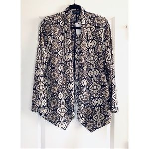 Astr silky relaxed fit blazer